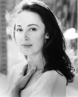 Pamela Gien - The Syringa Tree