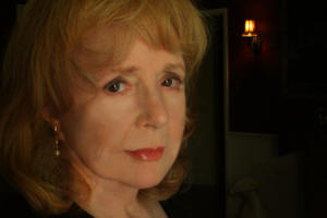 Piper Laurie - Learning to Live Out Loud