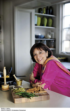Madhur Jaffrey - Madhur Jaffrey's World-of-the-East Vegetarian Cooking