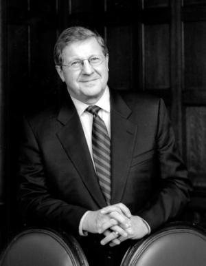 Lloyd Axworthy - Navigating a New World
